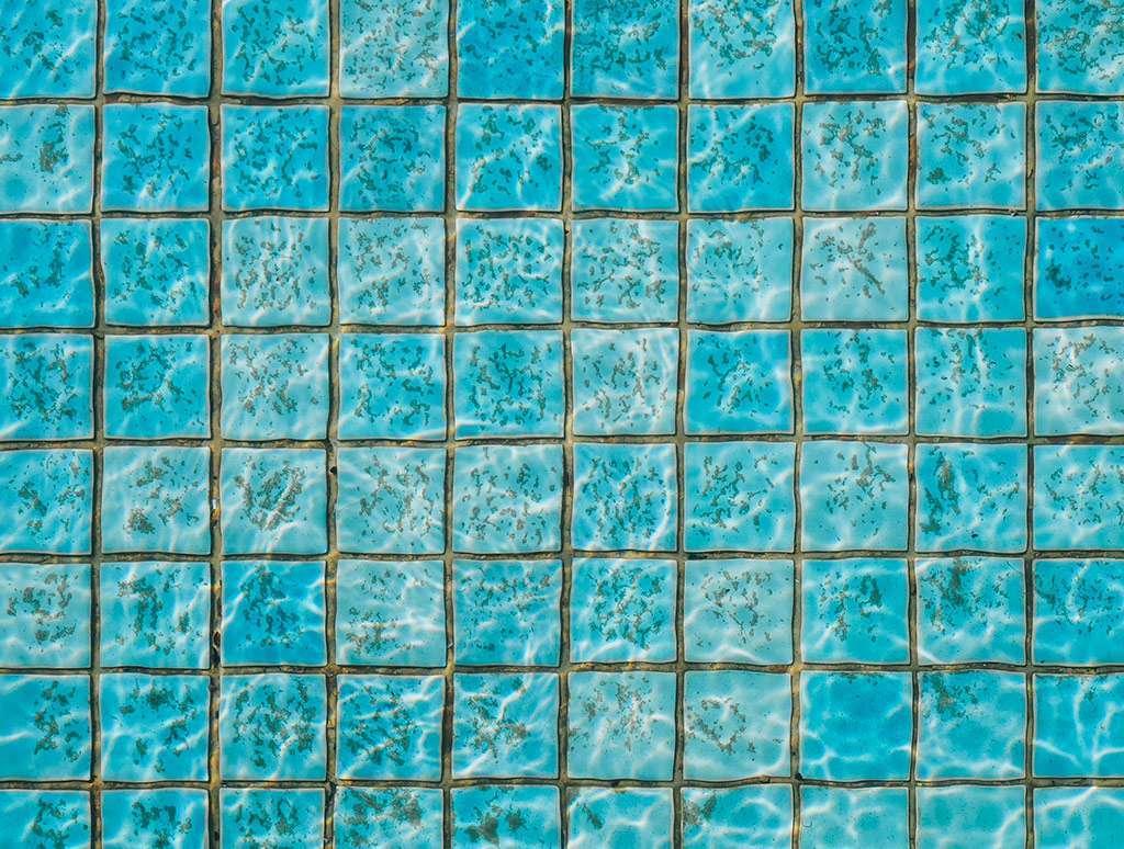 eliminar manchas de la piscina
